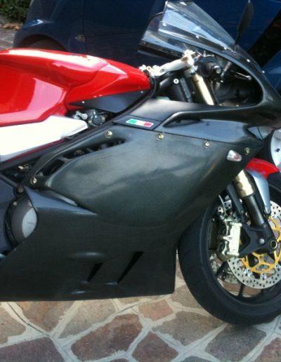 Moto F4
